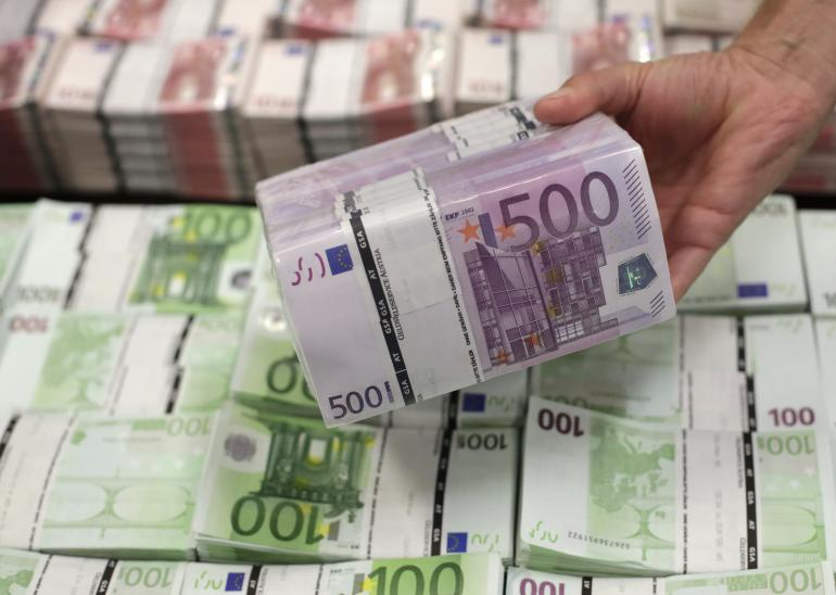 """В ЕС отреагировали на слова Зеленского о """"недостаточной"""" помощи Украине"""