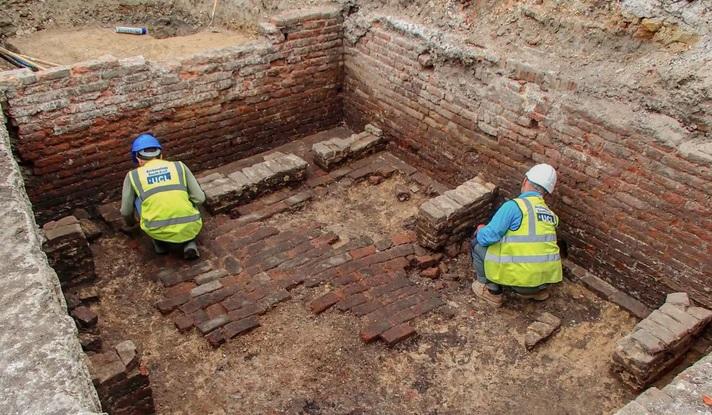 Археологи нашли развалины первого театра Лондона
