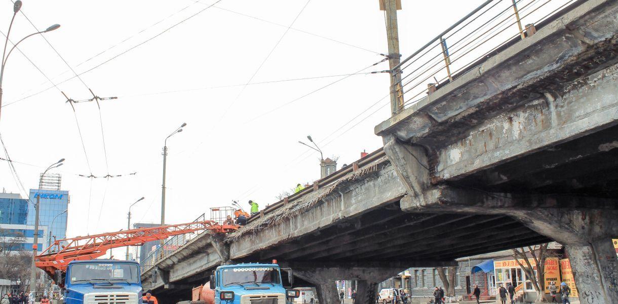 Начало демонтажа Шулявского путепровода в Киеве перенесли на весну