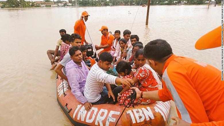 В Южной Азии из-за наводнений погибли более 100 человек, пострадали 6,7...
