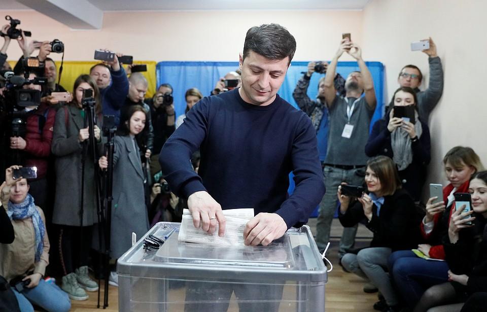 ЦИК считает голоса. К 3.00 ночи Зеленский опережает Порошенко