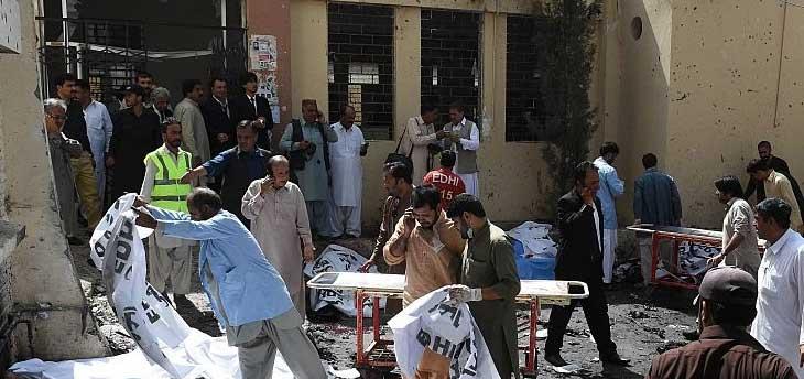 В пакистанской больнице прогремел взрыв, погибли 52 человека (обновлено)