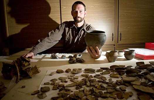 Кто создает спрос на находки черных археологов, - расследование Фокуса