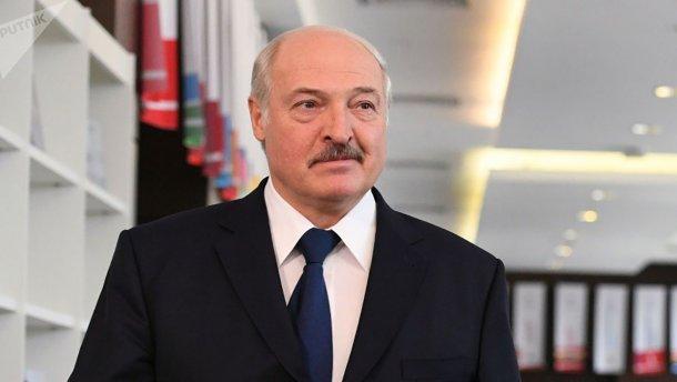 """Лукашенко считает вопрос с Крымом """"закрытым навсегда"""""""
