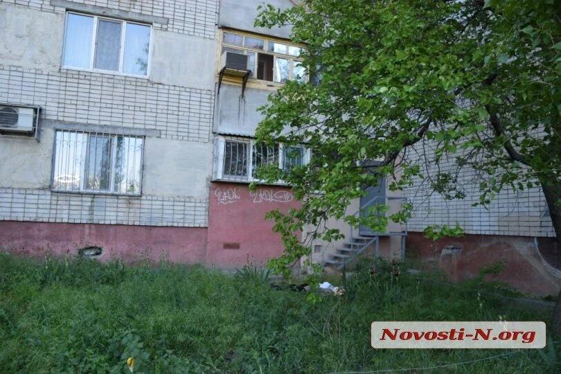 В Николаеве с 6-го этажа выбросилась пенсионерка, которую не выпускали на улицу из-за коронавируса