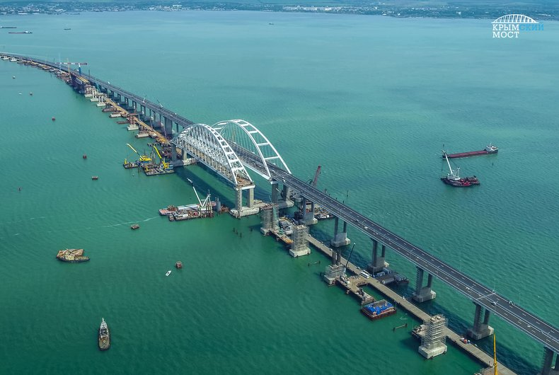 Кипр блокирует санкции ЕС за строительство Крымского моста, – журналист