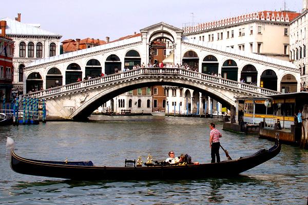 В Венеции захотели запретить курить