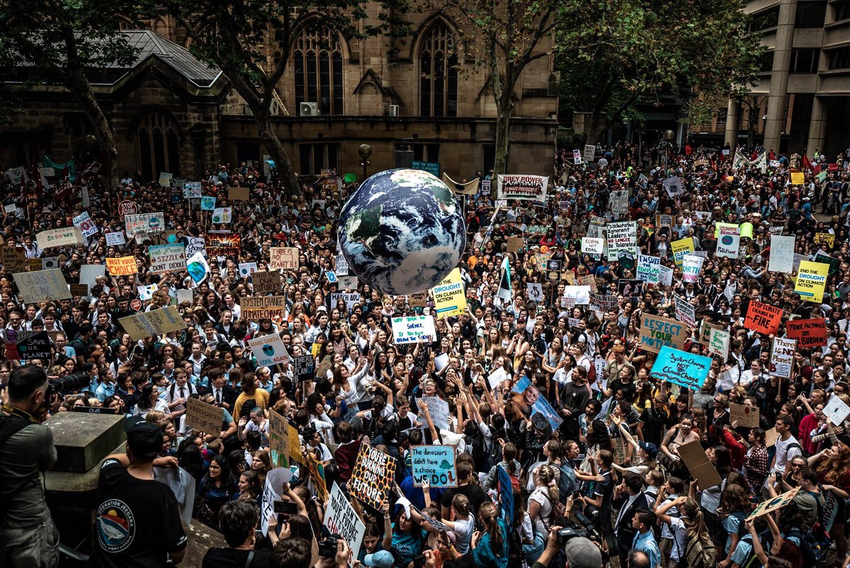 В 120 странах школьники вышли на протест против изменения климата