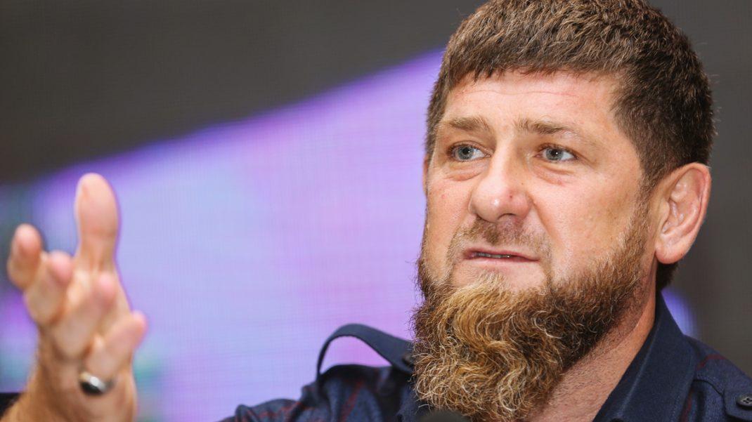 """Кадыров потребовал от Зеленского """"подтвердить свои извинения"""""""
