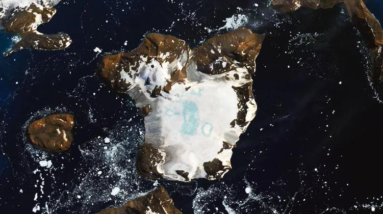 Спутник NASA зафиксировал последствия жарких деньков в Антарктиде