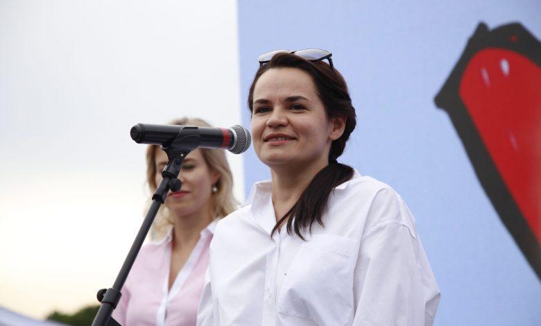 """""""Не ведитесь на запугивания"""". Тихановская призвала продолжать забастовки"""