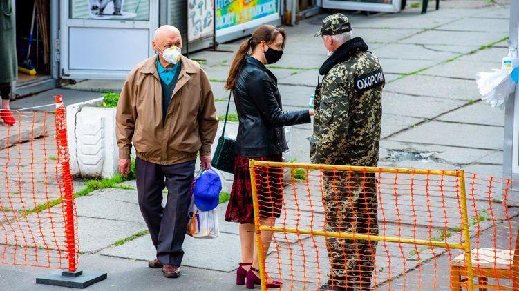 Киев может вернуться к жестким карантинным ограничениям,  – Кличко