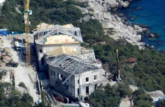 В Крыму для Януковича строят новое Межигорье - УП