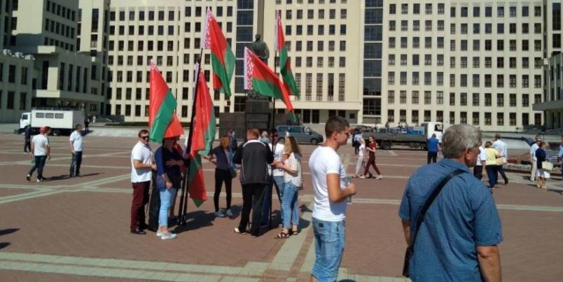 """""""За Батьку"""". В Минске собирается провластный митинг в поддержку Лукашенк..."""