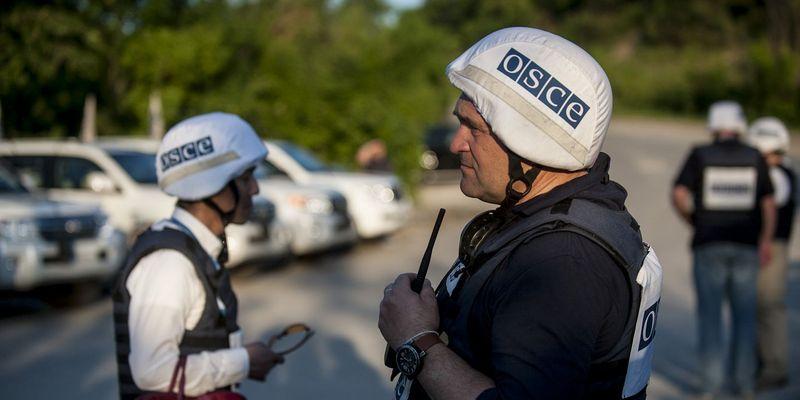 ОБСЕ в зоне АТО зафиксировала танки боевиков в дворах жилых домов
