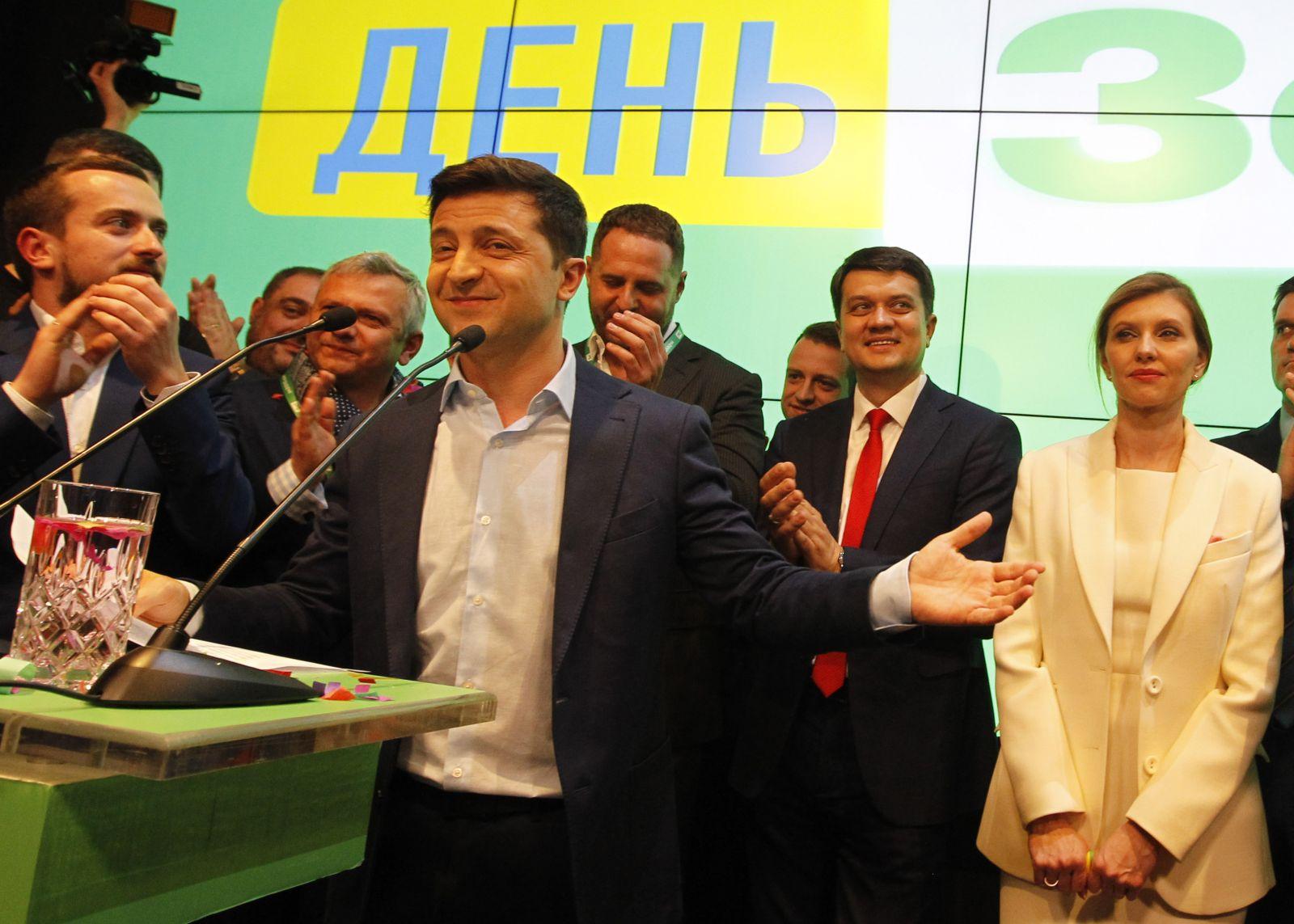 """""""Путин и Зеленский танцуют, как два боксера в ринге"""": о чем говорится в..."""