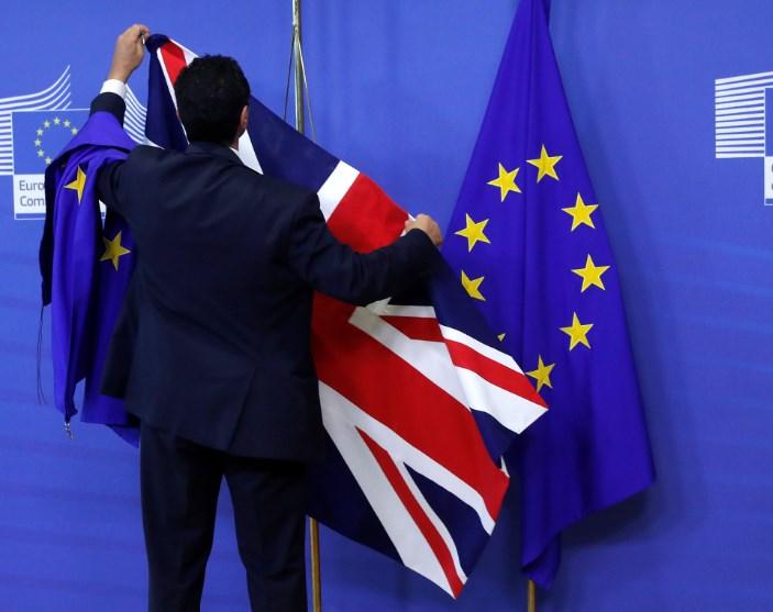 ЕС и Великобритания договорились продолжить переговоры по Brexit