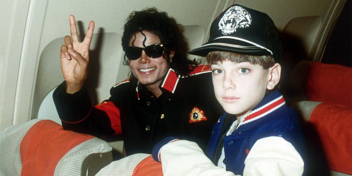 Больше не король. Как мир спешно избавляется от Майкла Джексона