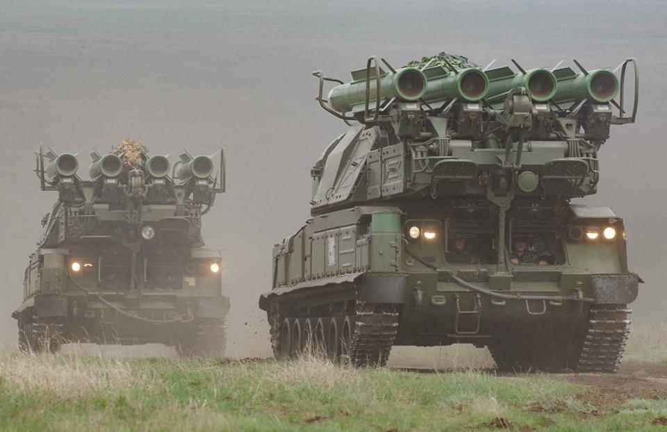 """Украинские военные провели учения с использованием """"Бук-М1"""", ЗРК С-300 и..."""