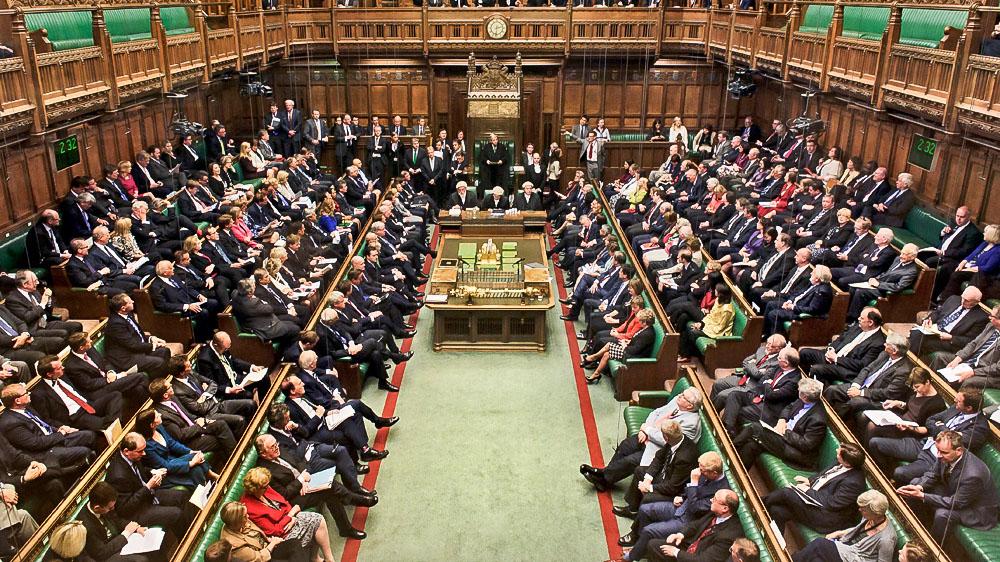 Парламент Великобритании второй раз провалил голосование за соглашение о...