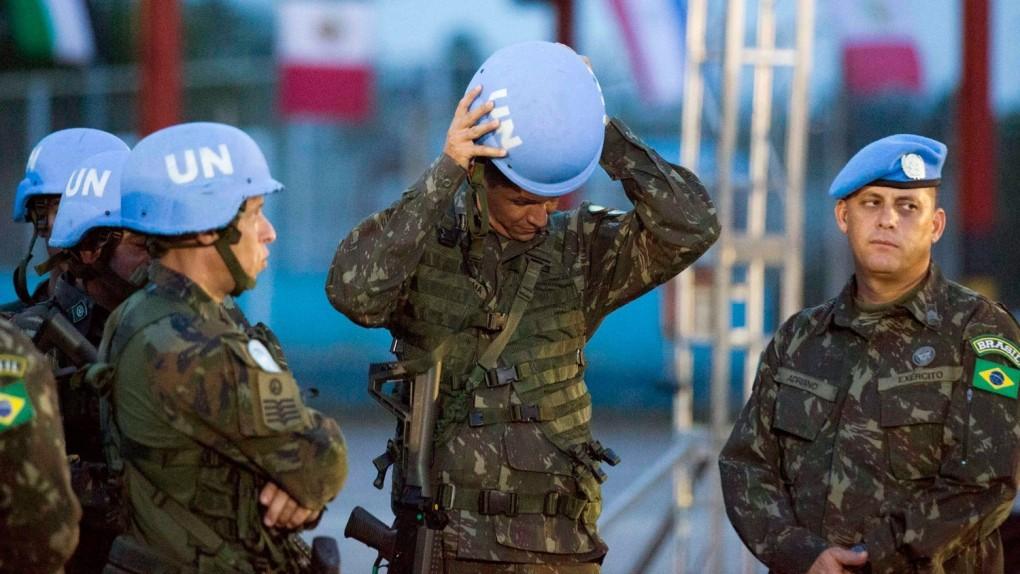 """""""План Б"""". Украина может вернуться к введению миротворцев на Донбасс, – Е..."""