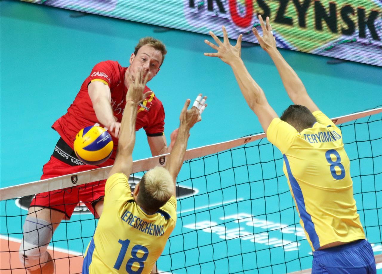 Волейболисты Украины впервые в истории пробились в восьмерку сильнейших...