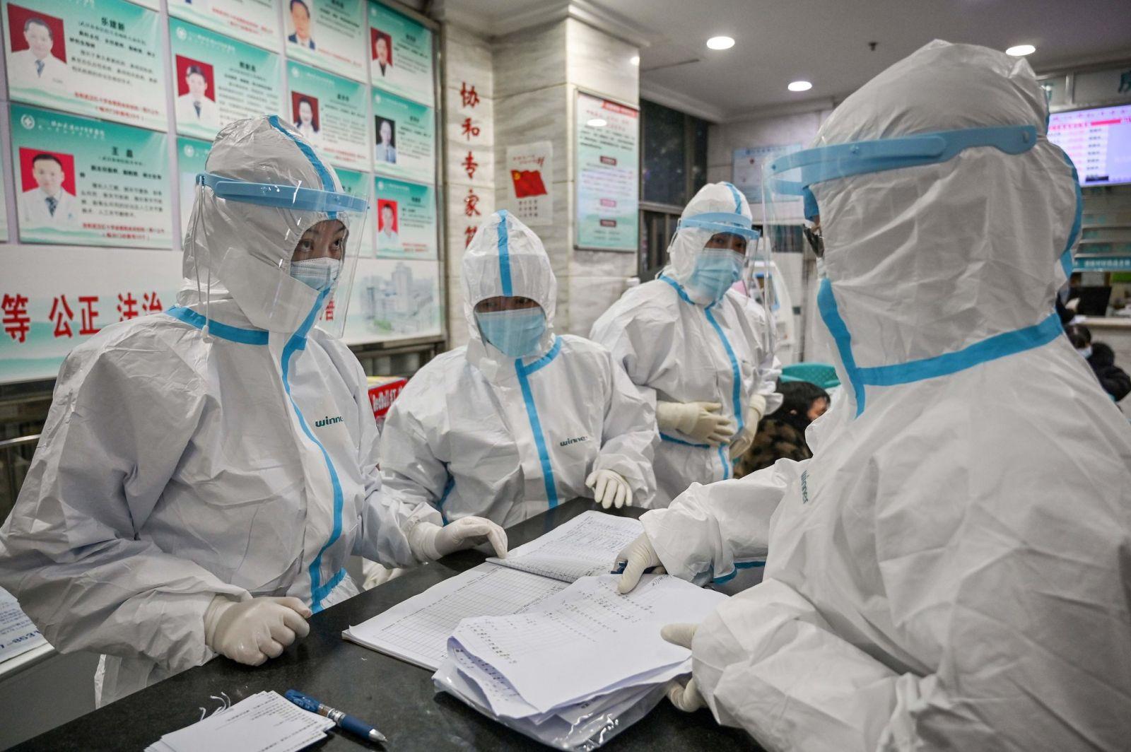 """Китай признал """"недостатки и упущения"""" в своей борьбе с коронавирусом"""