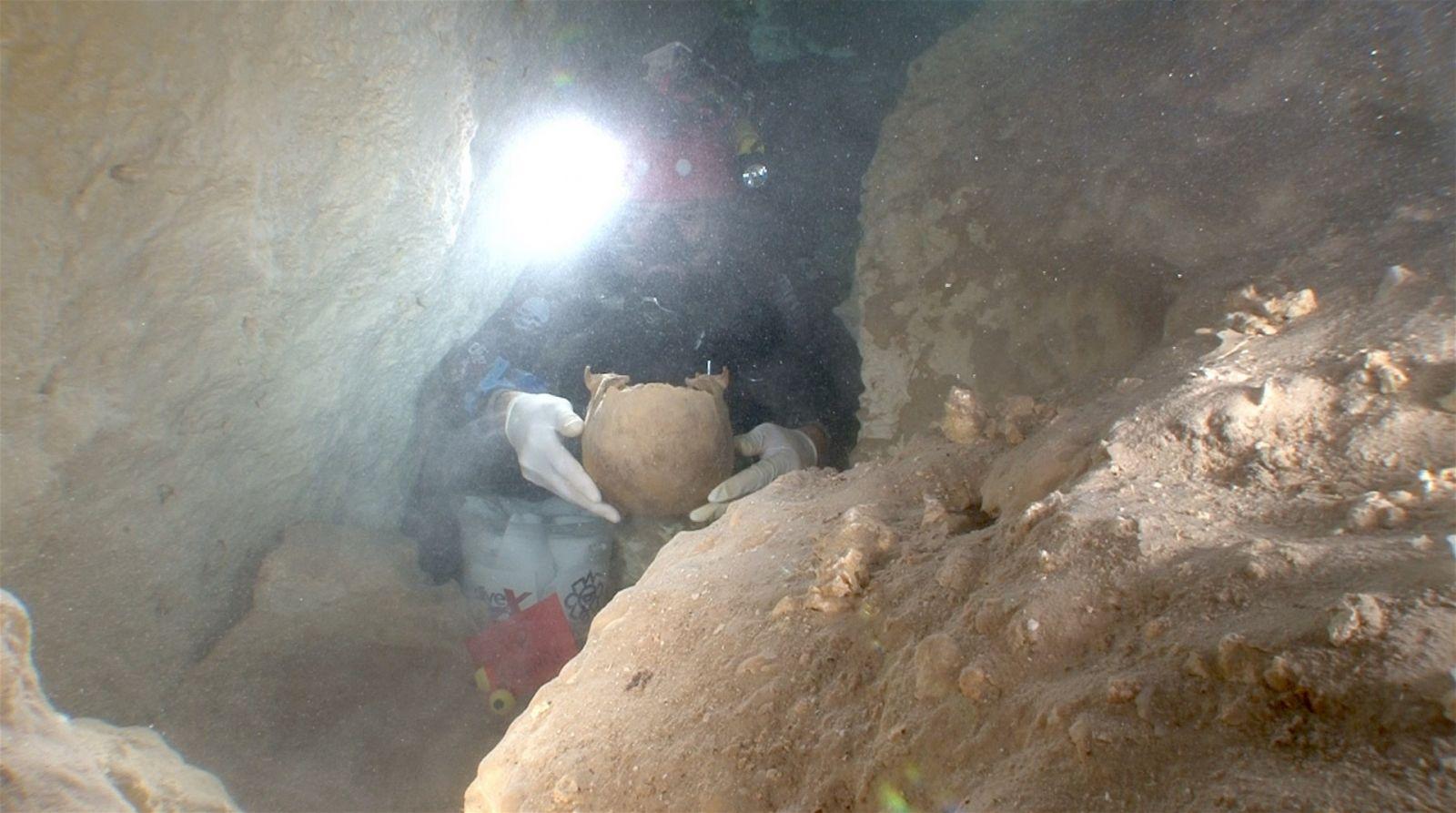 В Мексике нашли черепа выходцев из Европы, Азии и Арктики возрастом до 1...