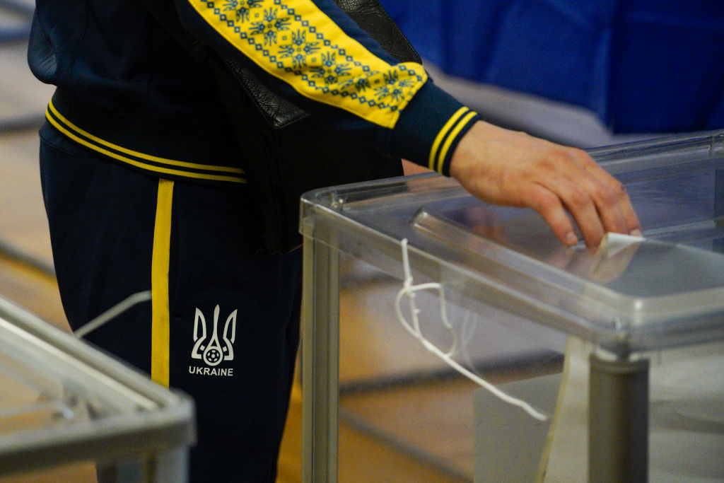 Выборы на Донбассе могут пройти только в свободной обстановке, – глава О...