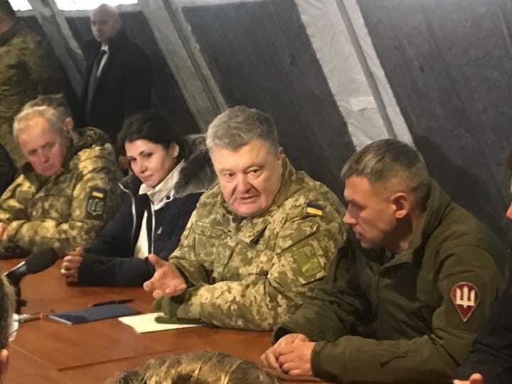 Порошенко сказал, когда должно заработать министерство ветеранов