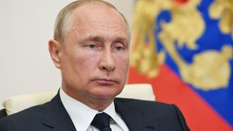 Президентские сроки Путина обнуляются с завтрашнего дня