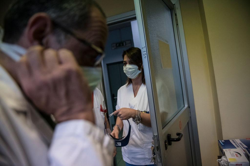 В Черновцах отправили в больницу второго человека, который приехал из Ит...