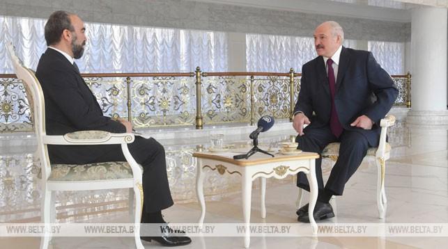 Лукашенко думает, что Порошенко победит во втором туре выборов