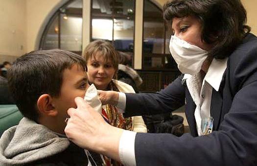 Эпидемия гриппа: столичные жеки займутся дезинфекцией парадных и общежит...