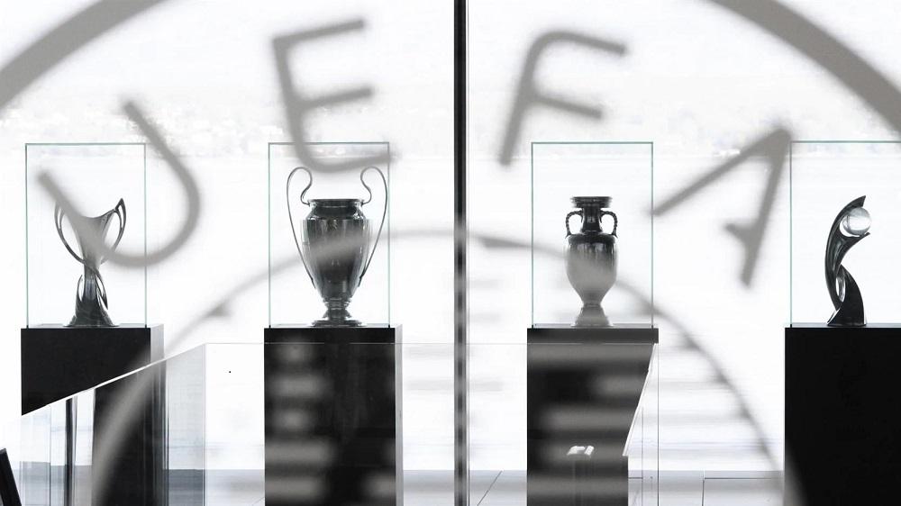 УЕФА разрешил частично вернуть болельщиков на стадионы