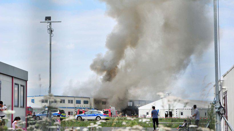 В Германии горел лагерь мигрантов