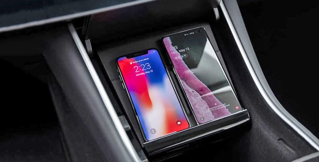 Tesla выпустила автомобильную зарядку для телефонов