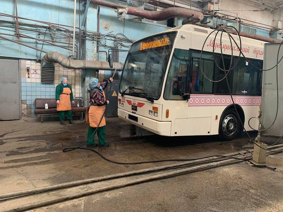 Мэрия Запорожья отказалась останавливать общественный транспорт в городе