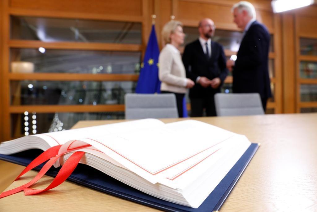 Руководители ЕС подписали договор о выходе Великобритании из Евросоюза