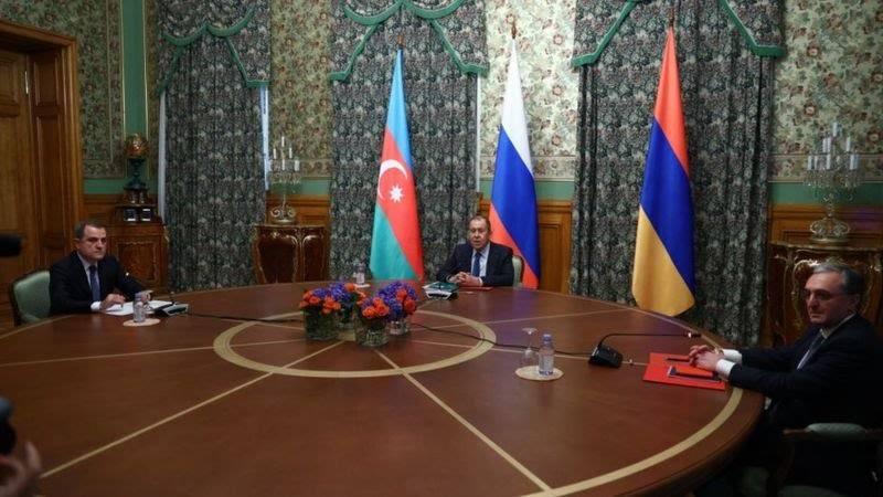 Армения и Азербайджан договорились о прекращении огня в Нагорном Карабах...