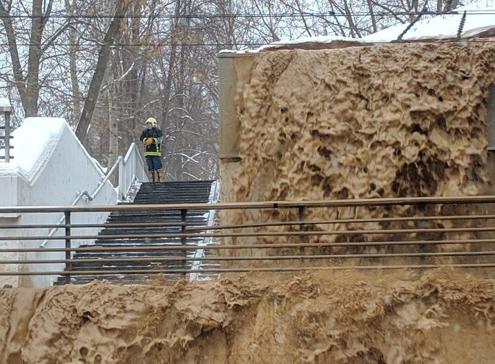 В Москве прорвало дамбу и затопило тоннель