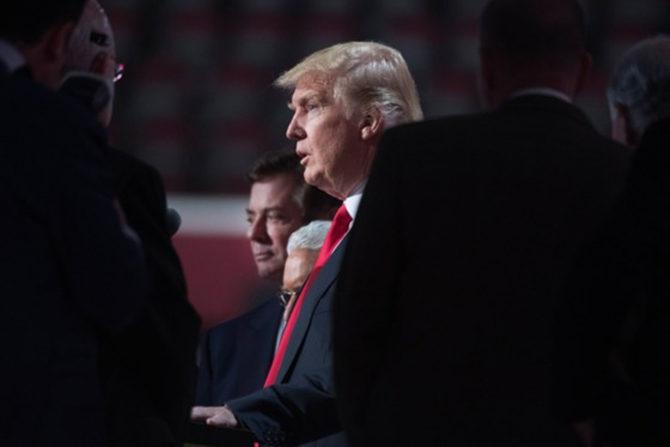 Трамп сожалеет, что пока ничем не может помочь Полу Манафорту