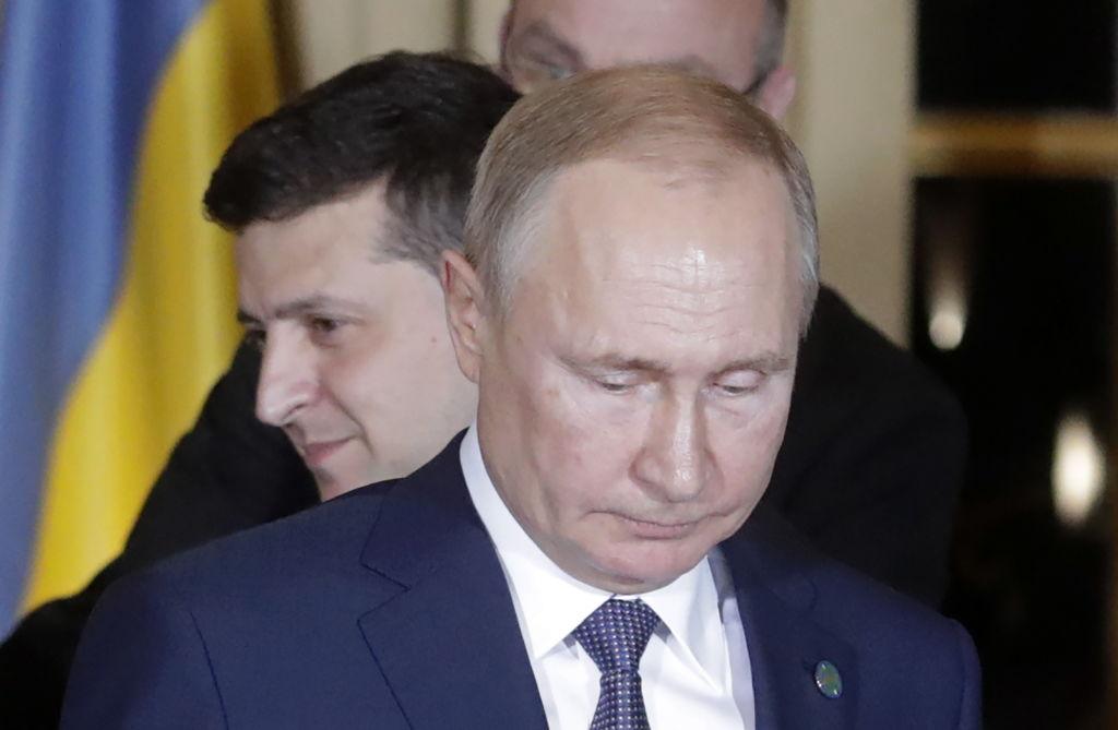 Говорили больше часа. Закончились переговоры Путина и Зеленского