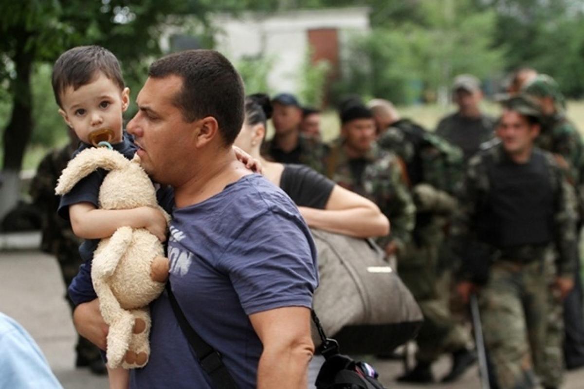 166 украинских детей погибли за время конфликта в Донбассе, - эксперт