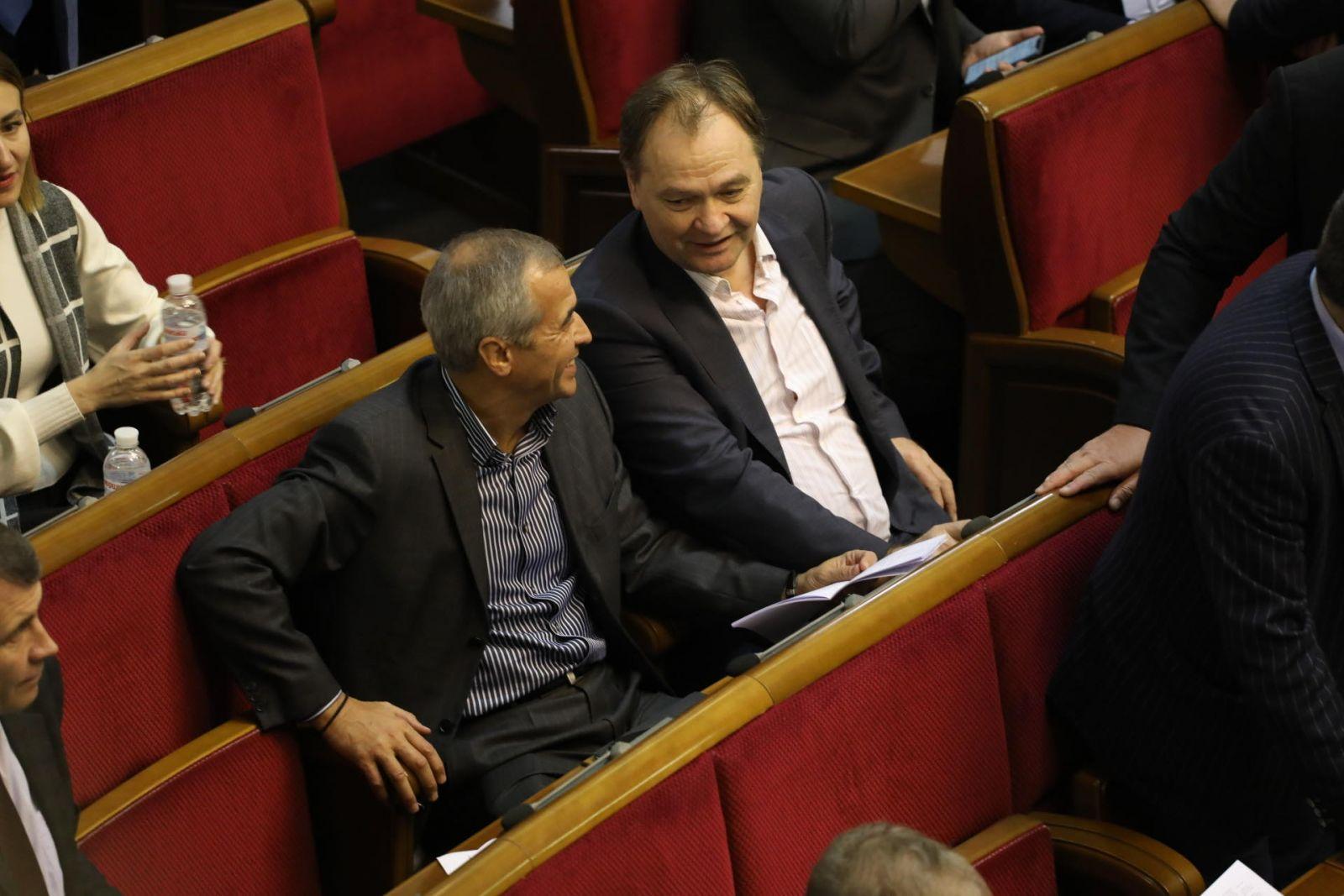Новый рекорд в Раде: нардеп Кальцев 9 раз за день был пойман на кнопкода...