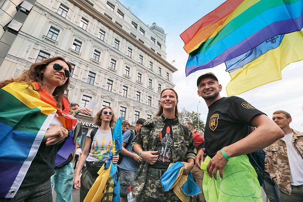 Каминг-аут не приговор. Как складывается служба в украинской армии у гее...