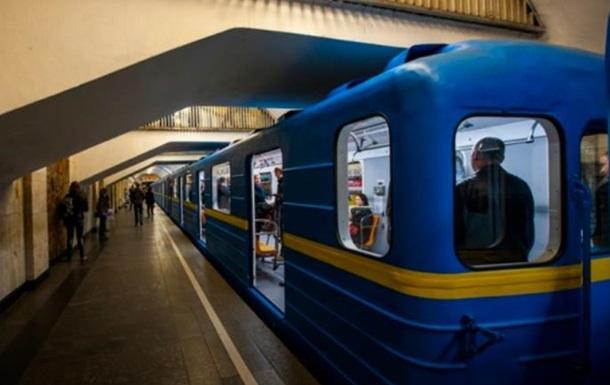 Станции столичного метро будет объявлять новый голос