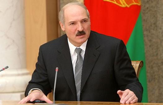Лукашенко назвал встречу Медведева с белорусскими СМИ очередным уколом в...