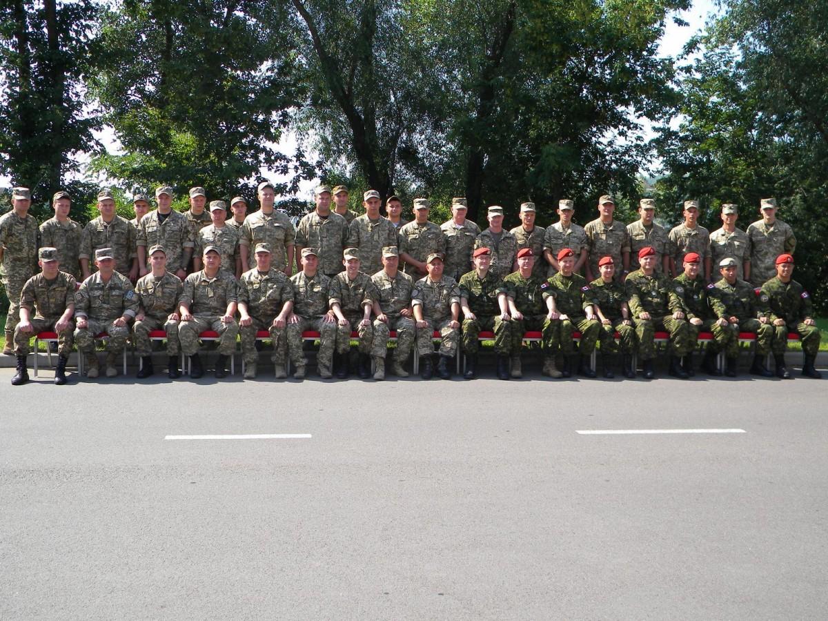 Украинских военных полицейских будут тренировать канадские инструкторы