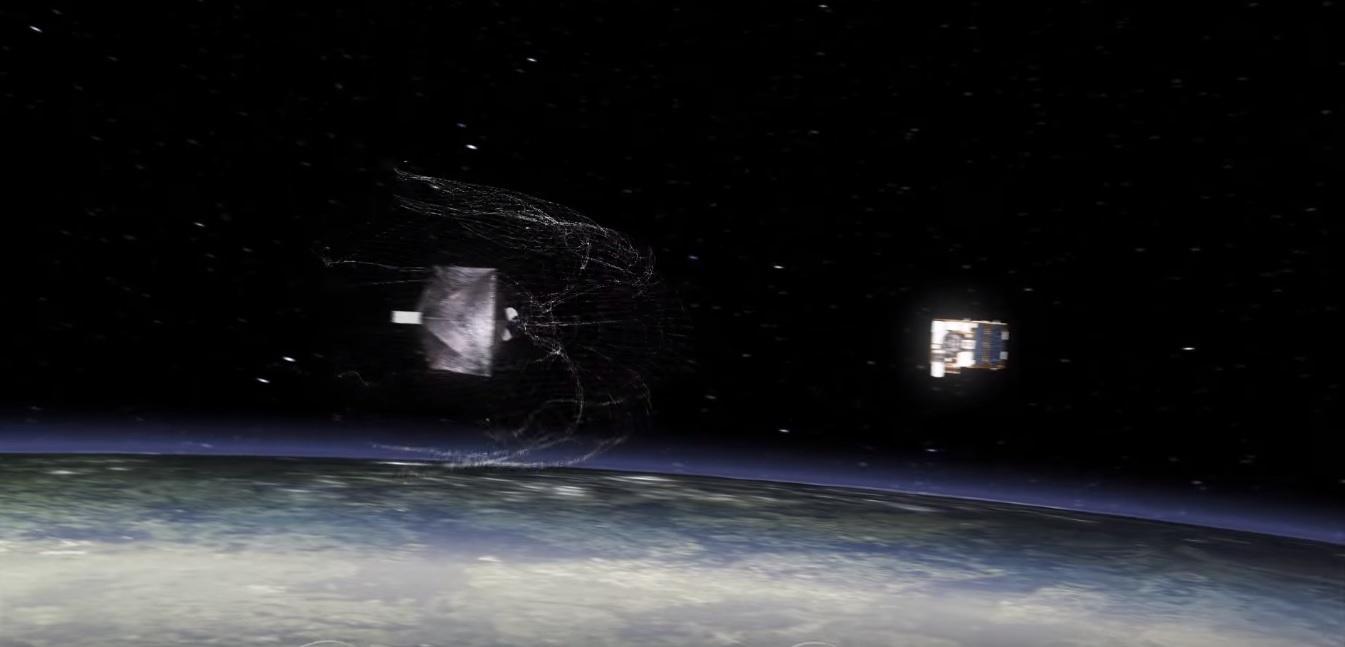 SpaceX вывела на орбиту космического охотника за мусором